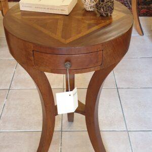 Tavolino tondo in noce vecchio lastronato diametro 38. Arredamento classico contemporaneo Siena e Firenze