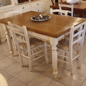 Tavolo Toscano allungabile con base laccata con decori e piano in rovere naturale anticato. Arredamento classico contemporaneo Siena e Firenze