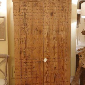 Armadio-stipo-credenza-dispensa in legno di larice vecchio a due ante. Arredamento classico contemporaneo Siena e Firenze