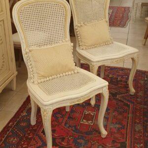 Sedia laccata a mano stile Luigi XV con seduta e schienale in paglia di Vienna. Arredamento classico contemporaneo Siena e Firenze