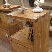 Comodini in legno di abete anticato con 1 cassetto e 1 ripiano. Destro. Arredamento classico contemporaneo su misura Siena e Firenze