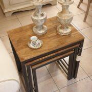 Tavolino Tris Industrial in legno di olmo antico e ferro. Chiuso. Arredamento classico contemporaneo Siena e Firenze
