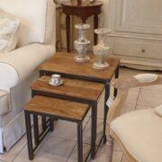 Tavolino Tris Industrial in legno di olmo antico e ferro. Di fronte. Arredamento classico contemporaneo Siena e Firenze