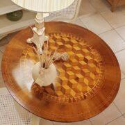 Tavolo a vela in legno di noce intarsiato toscano metà '800. Il Piano. Mobili antichi Siena e Firenze
