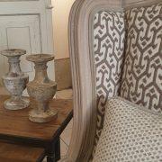 Poltrona Bergère in legno di rovere massello con imbottito in cotone. Particolare imbottitura. Arredamento classico contemporaneo Siena e Firenze