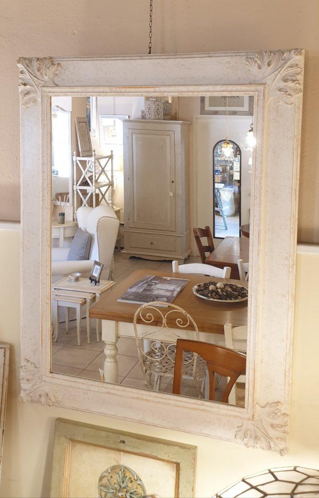 Specchiera in legno rettangolare laccata a mano in colore avorio. Arredamento classico contemporaneo su misura Siena e Firenze